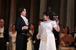Сцена из спектакля Травиата по произведению Джузеппе Верди