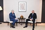 """Prezident İlham Əliyev Davosda """"Suez Group"""" şirkətinin baş icraçı direktoru ilə görüşüb"""