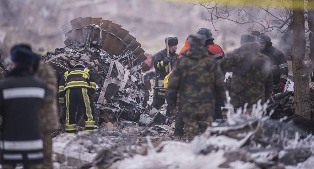 Поисковые работы на месте крушения грузового самолета Boeing 747