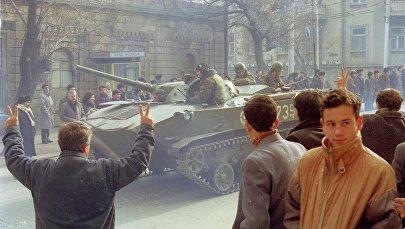 Советский танк в центре Баку, 19 января 1990 года