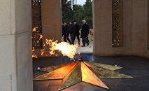 Вечный огонь на Аллее Шехидов