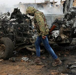 Поврежденный автомобиль в сирийском городе Эль-Баб, фото из архива