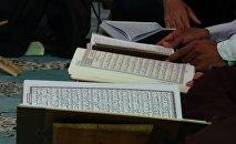 Чтецы Корана, фото из архива