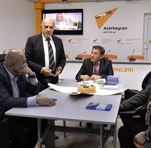 Клуб политологов справил юбилей в пресс-центре Sputnik Азербайджан