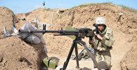 Азербайджанский солдат на освобожденном от оккупации возвышенности Леле Тепе