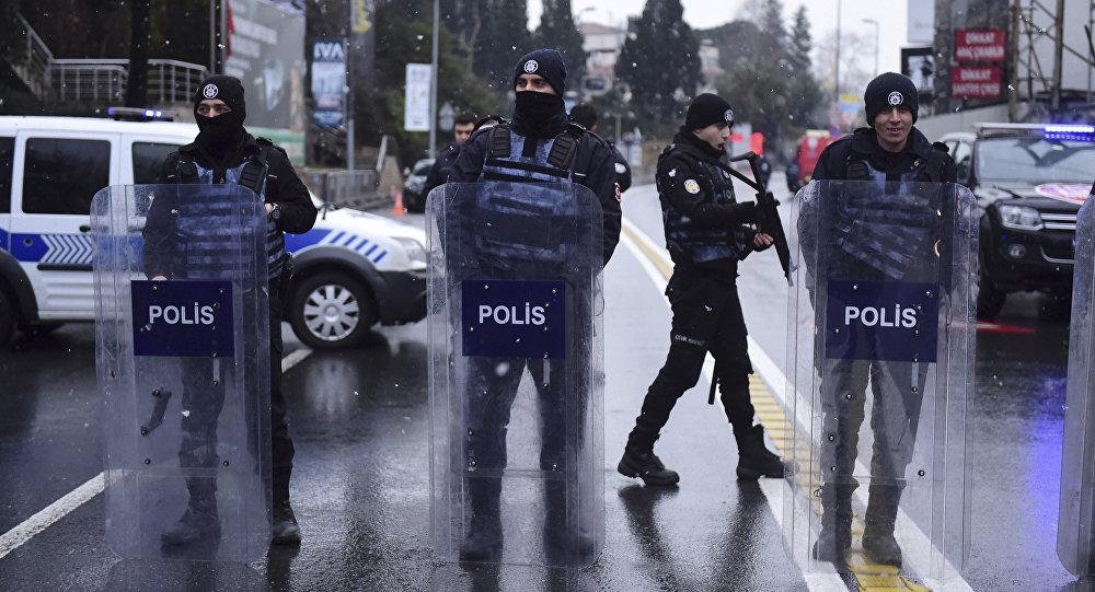 ВСтамбуле неизвестный открыл стрельбу по гостям ресторана