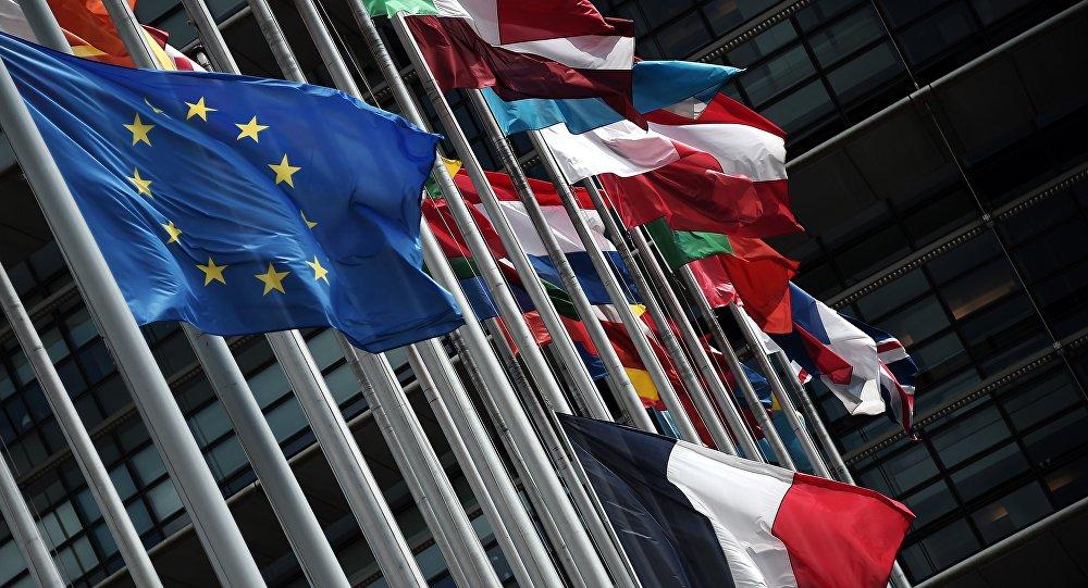 EC без НАТО видят молодые иобеспеченные граждане ЕС