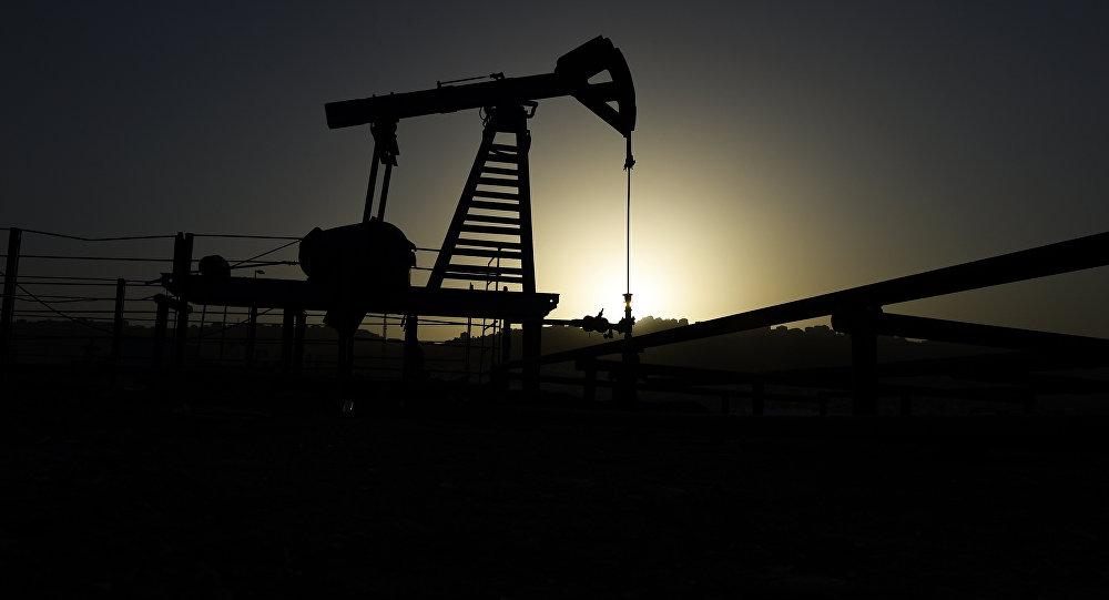 Нефтяной насос в Баку, фото из архива
