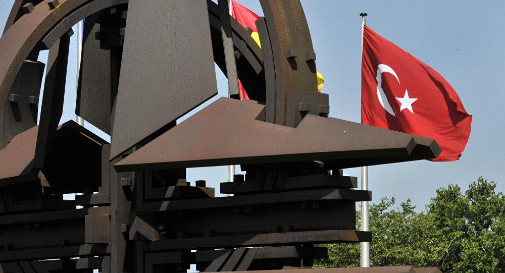 Турция не хочет разрывать отношения сНАТО
