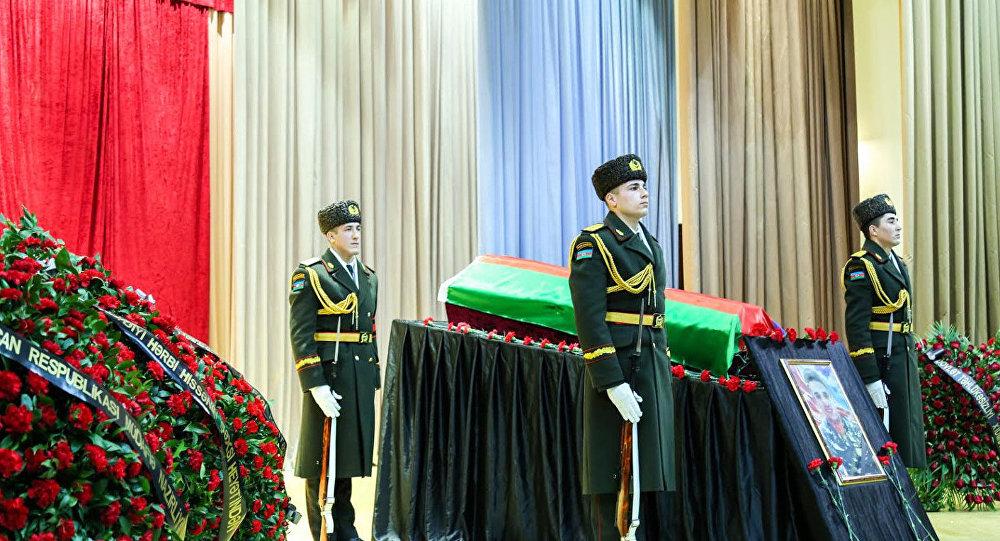 Церемония прощания с шехидом Чингизом Гурбановым в Баку