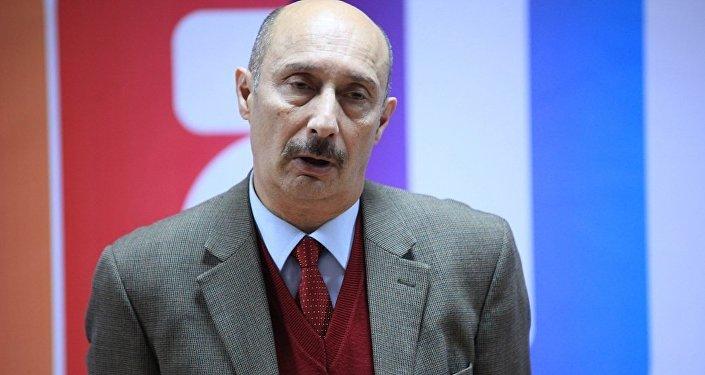 Zərdüşt Əlizadə, politoloq