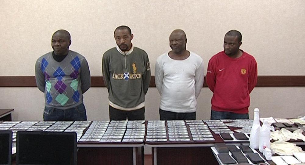Африканцы, задержаные сотрудниками ГУБОП МВД АР