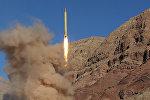 İran yeni ballistik raketini sınaqdan keçirib