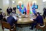 Президент РФ Владимир Путин принимает участие в заседании ВЕЭС и сессии Совета коллективной безопасности ОДКБ в Санкт-Петербурге