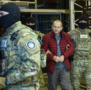 Российско-израильский блогер Александр Лапшин в бакинском аэропорту