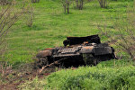 İşğal olunmuş ərazilərdə erməni separatçılarına aid məhv edilmiş tank, arxiv şəkli