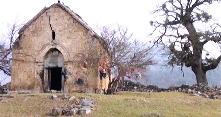 Старинный албанский храм Гала пири