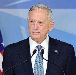 Министр обороны США Джеймс Мэттис на встрече глав военных ведомств стран НАТО в Брюсселе, 15 февраля 2017