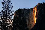 Водопад Лошадиный Хвост в скале Эль-Капитан