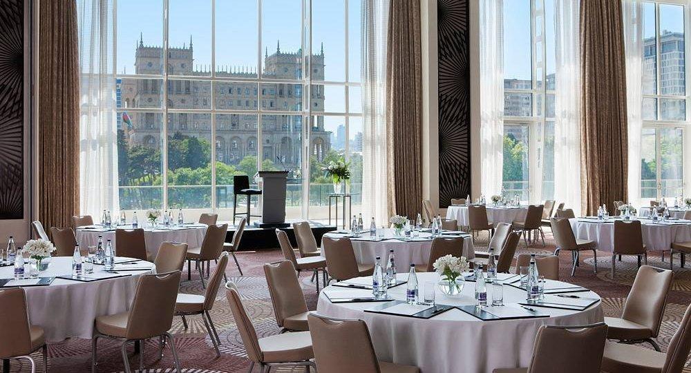 Отель в Баку