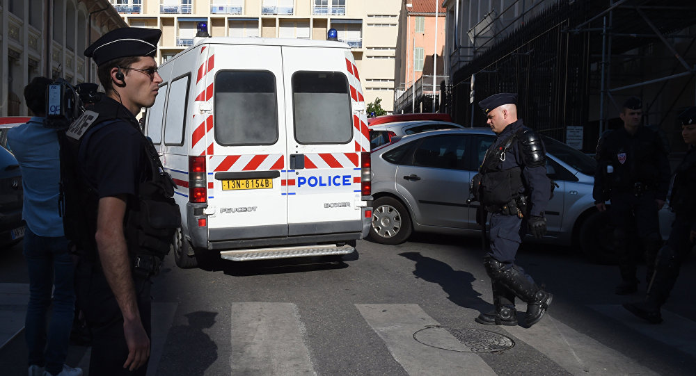 Полиция Франции, фото из архива