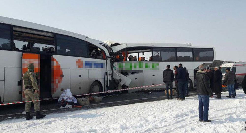 26 жителей Азербайджана пострадали вДТП сучастием 2-х автобусов вТурции