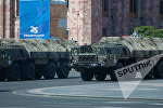 Ракетные комплексы Искандер-М во время парада в Ереване, фото из архива