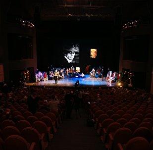 Театр, фото из архива