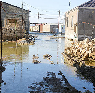 В поселке Ашагы Гюздек Абшеронского района произошел разлив озера Дашагиль