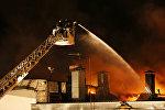 Пожар на складе, фото из архива