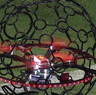Летающие дроны-футболисты сразились в воздухе на выставке в Сеуле