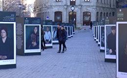 Историю, застывшую в глазах, показывают в Старом городе Баку