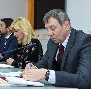 Встреча российских депутатов и экспертов с журналистами на тему Россия и Азербайджан: 25 лет сотрудничества и развития