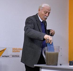 Азербайджанский эколог показал, как нужно очищать питьевую воду
