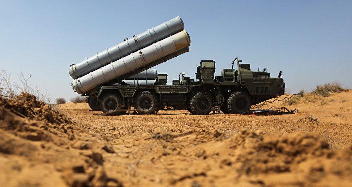 Зенитно-ракетный комплекс С-300, фото из архива