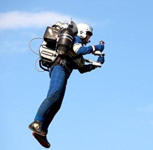 Uçan insan