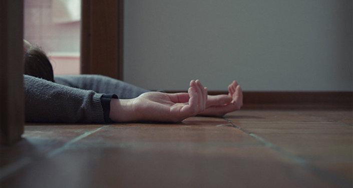 Мертвая девушка, фото из архива