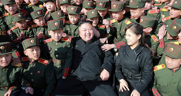 Ким Чен Ын в Революционной школе Мангёндэ