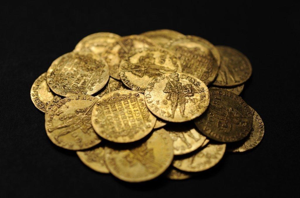 Найден клад золотых голландских монет в азербайджане :: нахо.