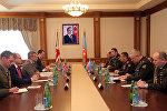Министр обороны Азербайджана встретился с делегацией Министерства обороны Великобритании