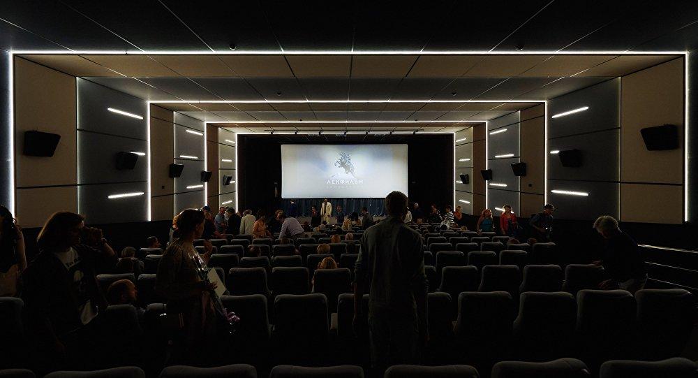 Кинозал, фото из архива