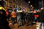 Rotterdam şəhərindəki Türkiyə konsulluğu qarşısında etirazçılarla polislərin toqquşması, 12 mart 2017-ci il