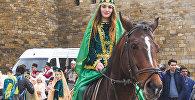 Праздничное шествие посвященное последнему вторнику перед Новруз Байрамы в центре Баку