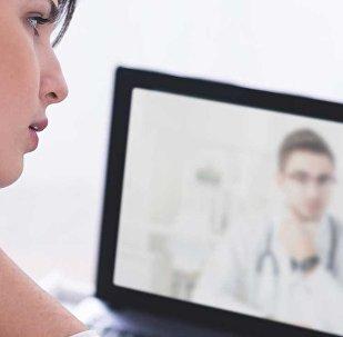 Медицинская консультация по Skype, фото из архива