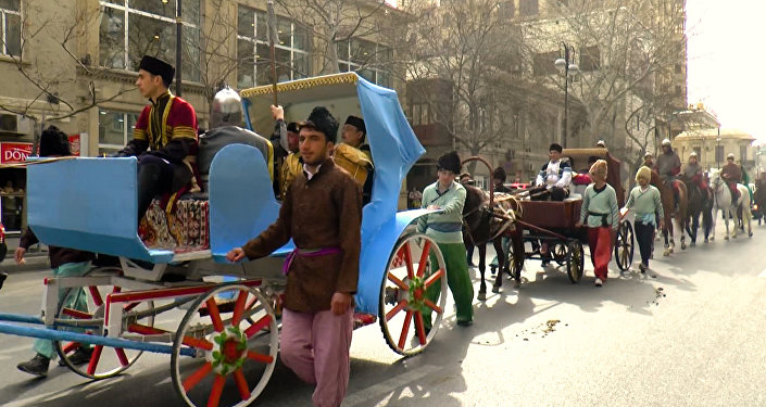 Караван с персонажами праздника Новруз отправился за весной
