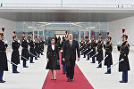Ильхам Алиев и Мехрибан Алиева в международном аэропорту Орли
