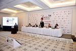 Выступление министра культуры и туризма Абульфаза Гараева на пресс-конференции, предваряющей открытие в Баку первого шопинг-фестивал