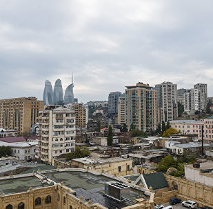Облачная погода в Баку, архивное фото