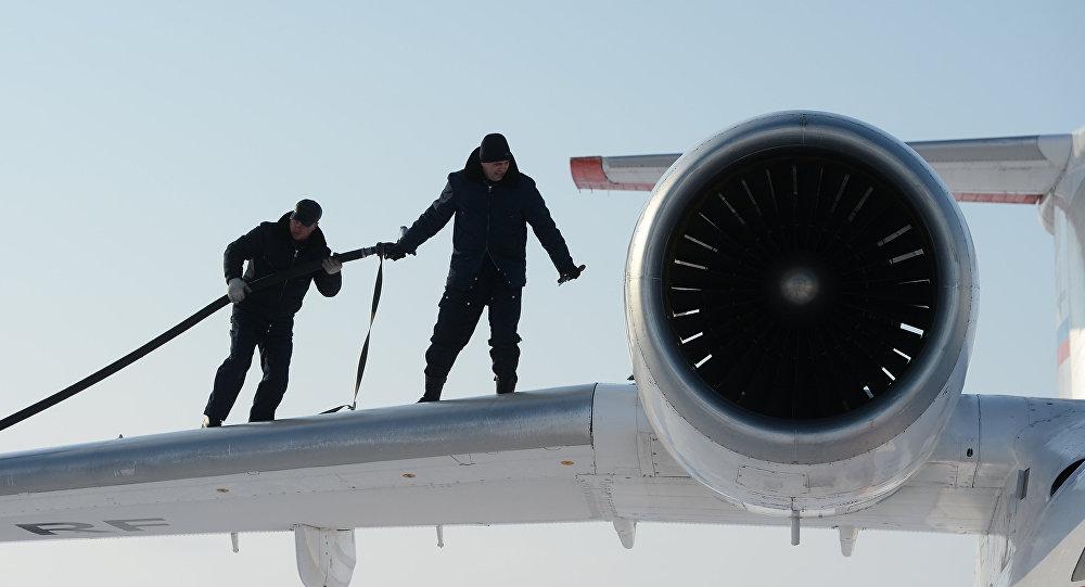 Заправка топливом самолета Ан-74