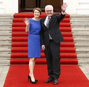 Франк-Вальтер Штайнмайер с женой Элькой Бюденбендер, 19 марта 2017 года
